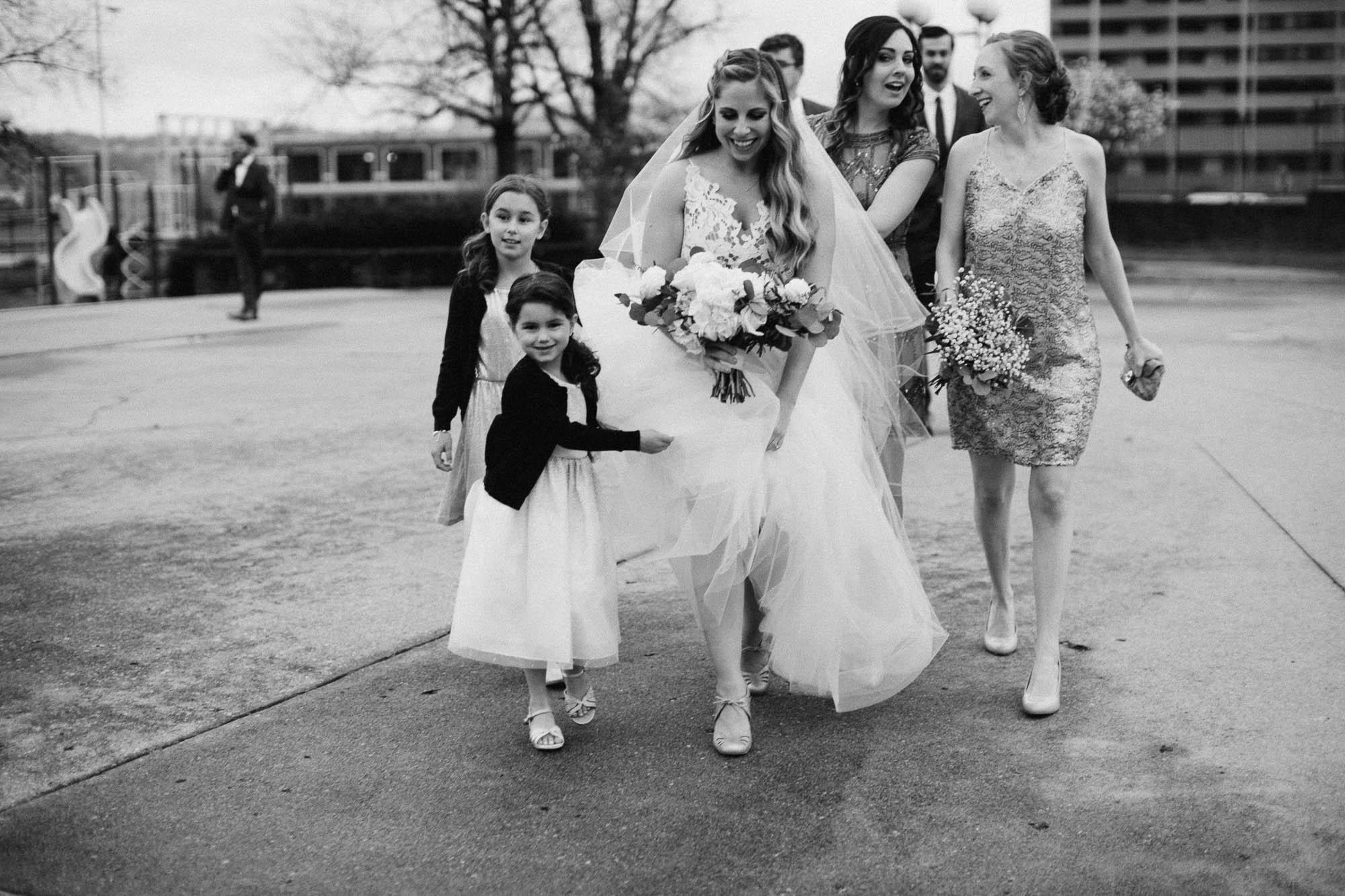 Sara-Tyler-Cincinnati-Wedding-Rhinegeist-Brewery-054.jpg