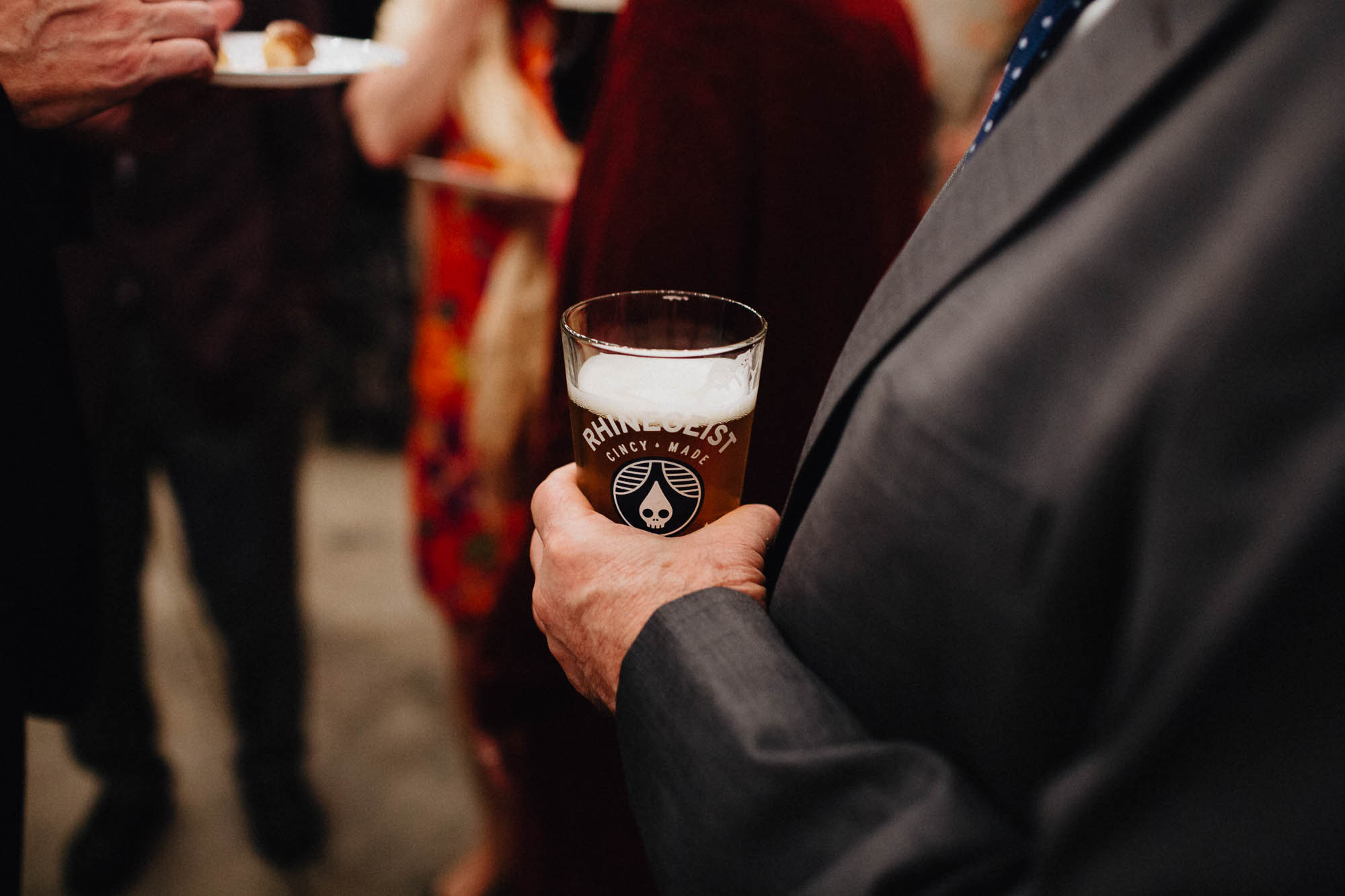 Sara-Tyler-Cincinnati-Wedding-Rhinegeist-Brewery-094.jpg