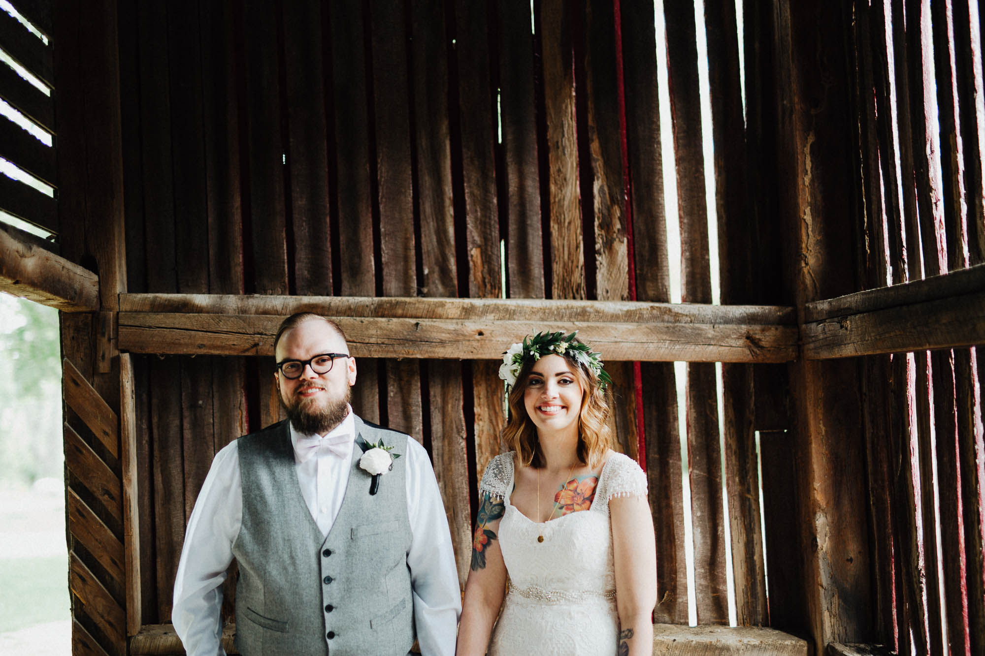 Jessi-Jake-The-Brauns-Ohio-Barn-B&B-Wedding-038@2x.jpg
