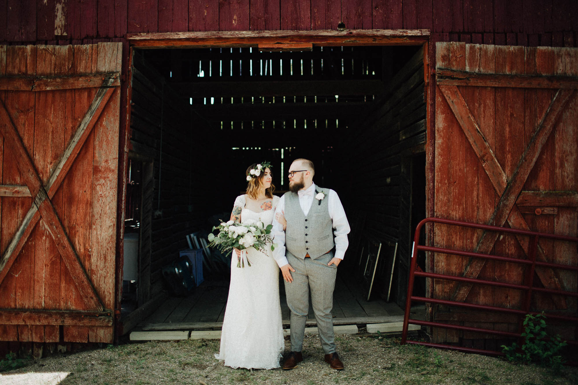 Jessi-Jake-The-Brauns-Ohio-Barn-B&B-Wedding-044@2x.jpg