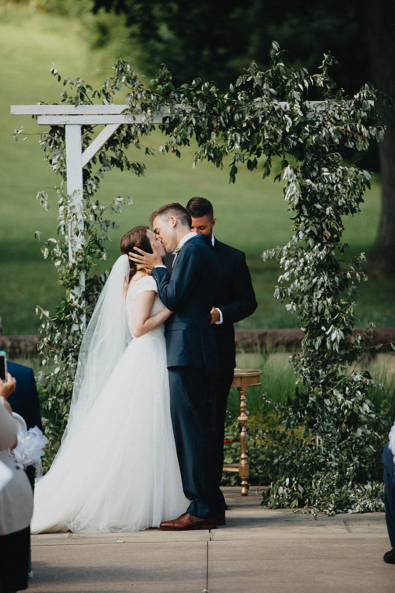 Nancy-Ray-Bryn-Du-Mansion-Wedding-Columbus-067.jpg