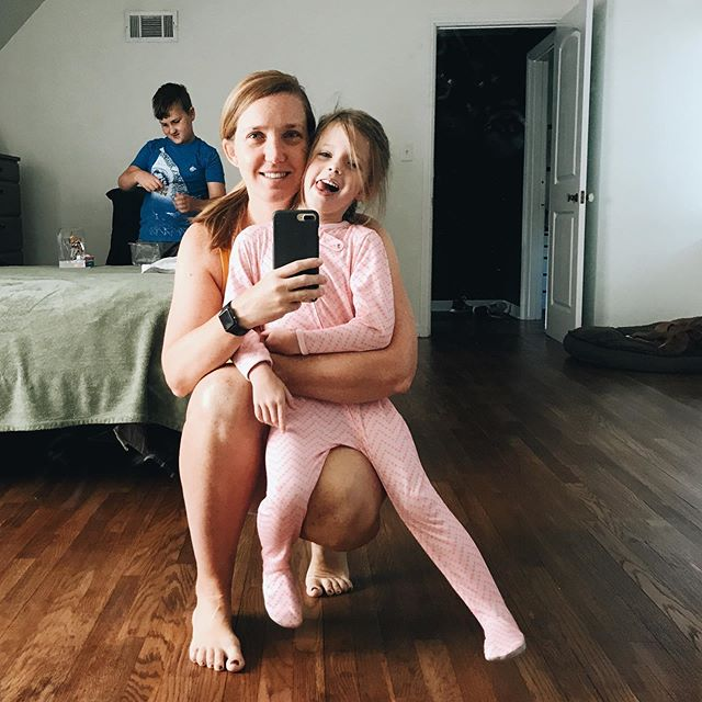 "Anyone else miss their kids immediately after they leave with someone for an overnight visit? Ok, well maybe not always immediately but shortly after. But with them gone today Cameron and I both got up and got our workouts in and it felt so good!  I posted my results of my 6 weeks of @fasterwaytofatloss in my stories. Best way to sum it up? I've learned how to navigate food in a new way. I don't say no to good foods, sometimes it's just a ""not now but later"". I feel better prepared for long work days, days at the pool, and even a vacation full all the good stuff.  Did I loose weight? Probably but I haven't weighed myself. But I have lost 12 inches and have gained a whole lot of confidence. I feel confident about what to eat when, when to work out and when to rest, what to do on vacation and how to come back after eating all the comfort foods when my emotions get the best of me. We all have our different ""whys"" but a common goal, a healthier self on the other side.  This is your last chance to sign up to join @bluefarmhousefitness (the best coach out there!) for her next 6-week session. Her next one isn't until September.  #braunfamilyof5 #bluefarmhousefitness #fasterwaytofatloss #fwtfl"