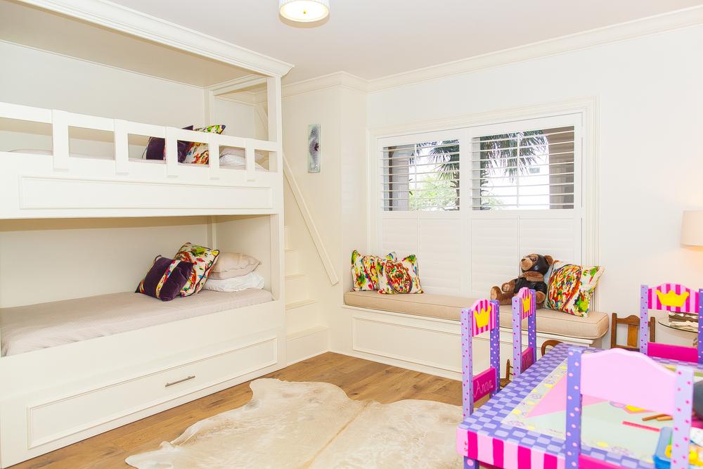 Bella Vita B107 Guest Bedroom with Built in Bunks