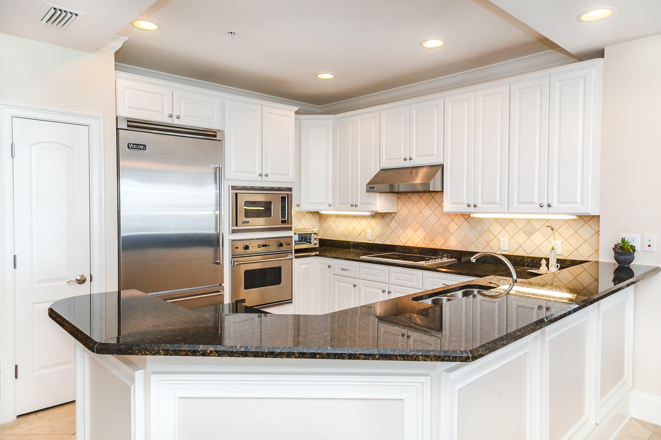Adagio Penthouse A401 Kitchen