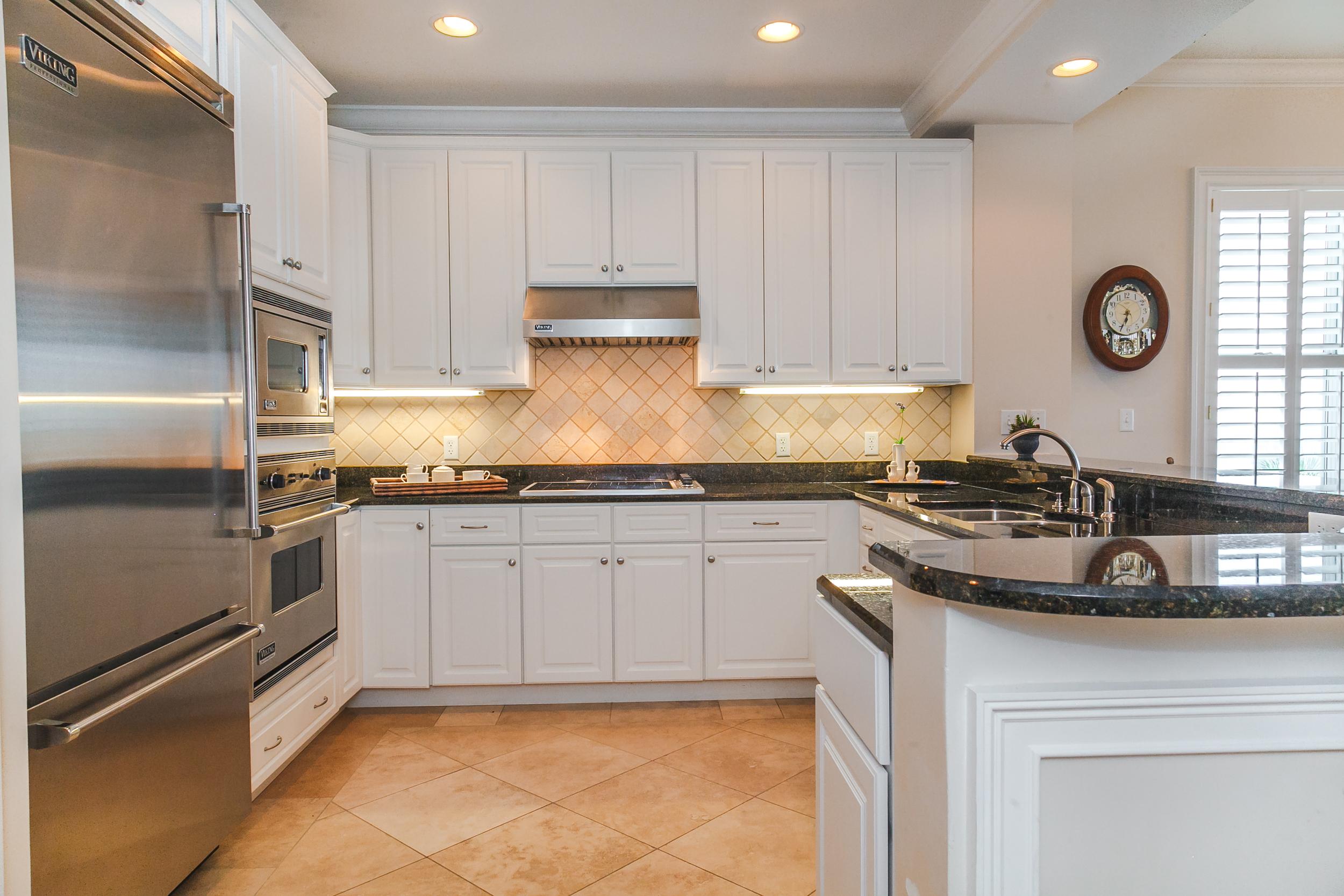 Adagio Penthouse A401 Kitchen 2