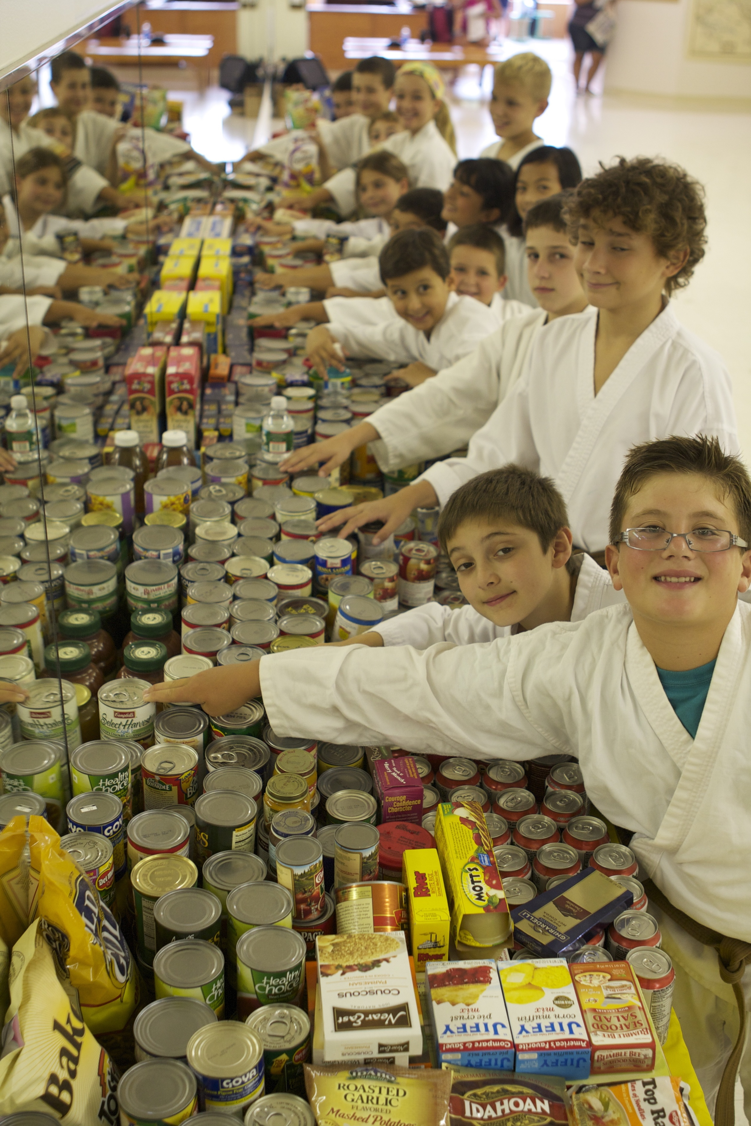 thedojo-food-drive-martial-arts-karate-kids-doing-community-service-in-rutherford-nj_14670783382_o.jpg