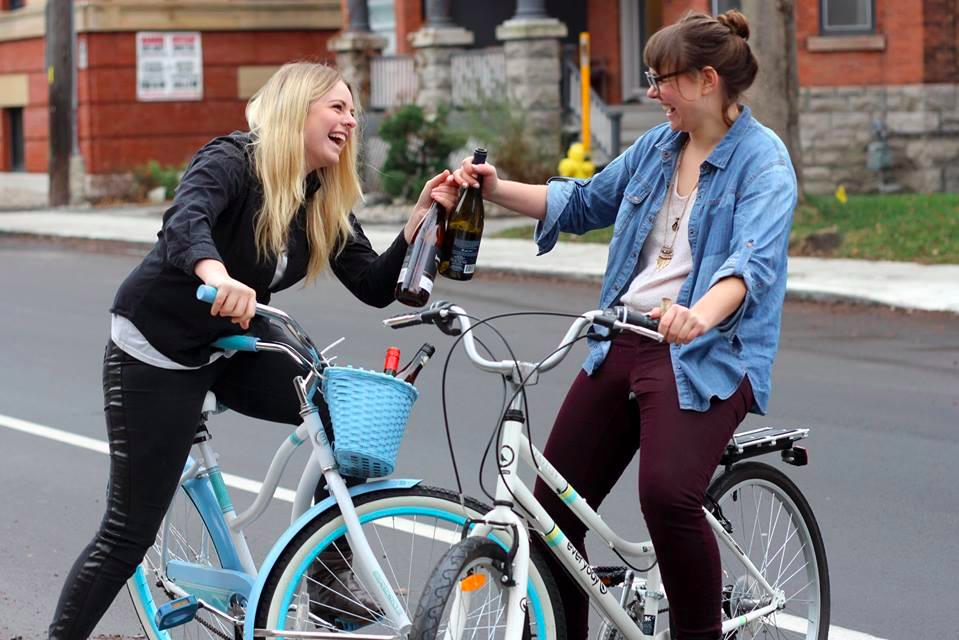 Pictured: Amanda Logan, Lauren Cauchy & Wine.