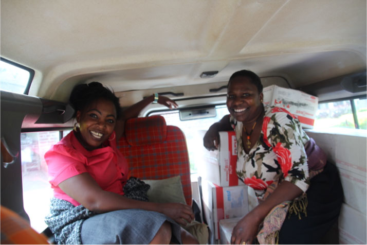 Siana & Jackie after packing up the Land Rover
