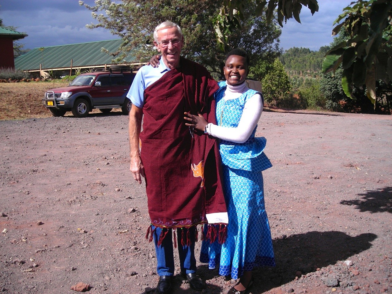 Martina presents Dr. Duane with a Shuka