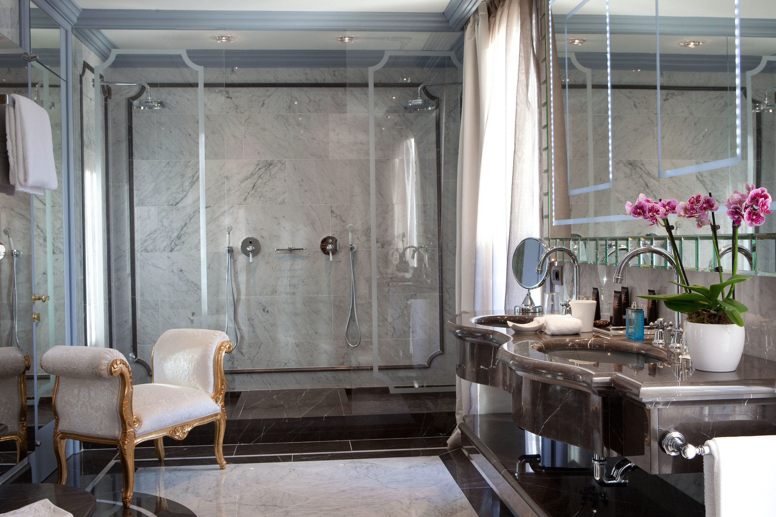 The brand new San Giorgio terrace suite was just unveiled at the  Luna Hotel Baglioni  in Venice