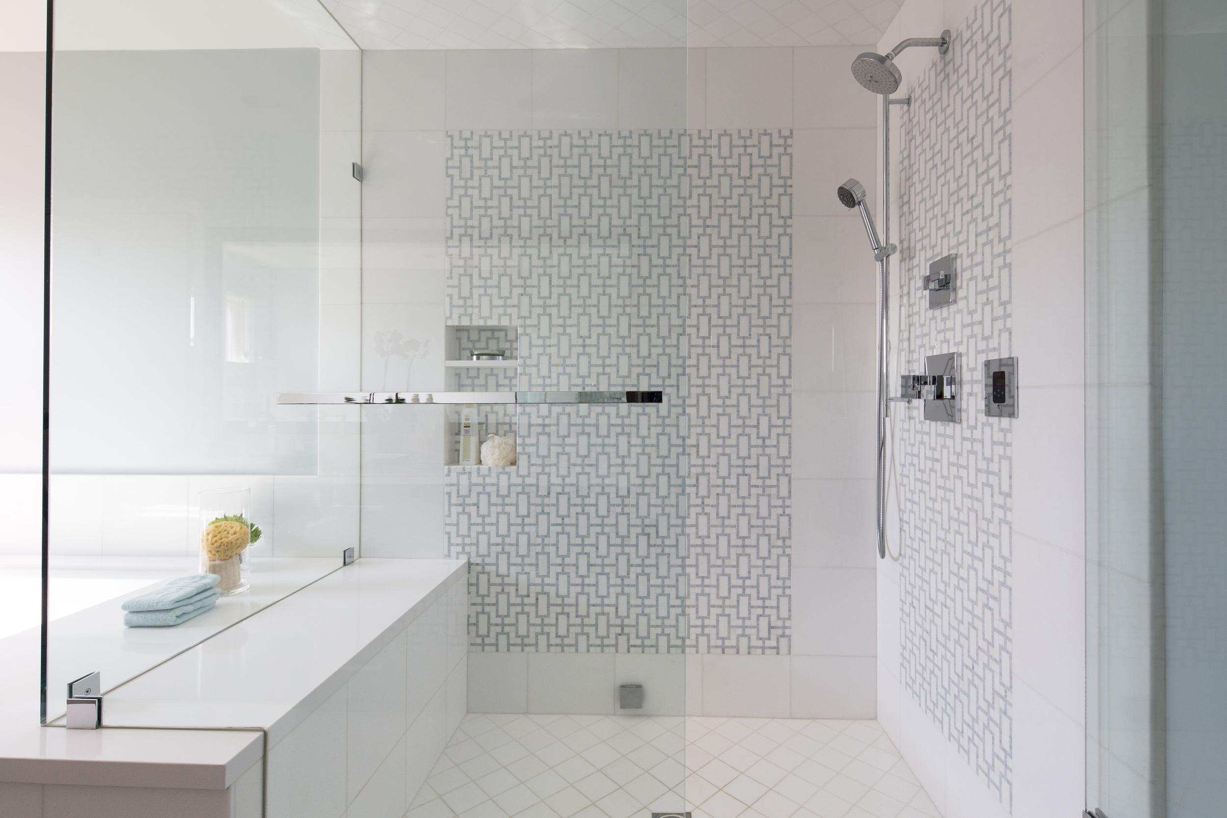 EMI Interiors Vista Street Master Bathroom007.jpg