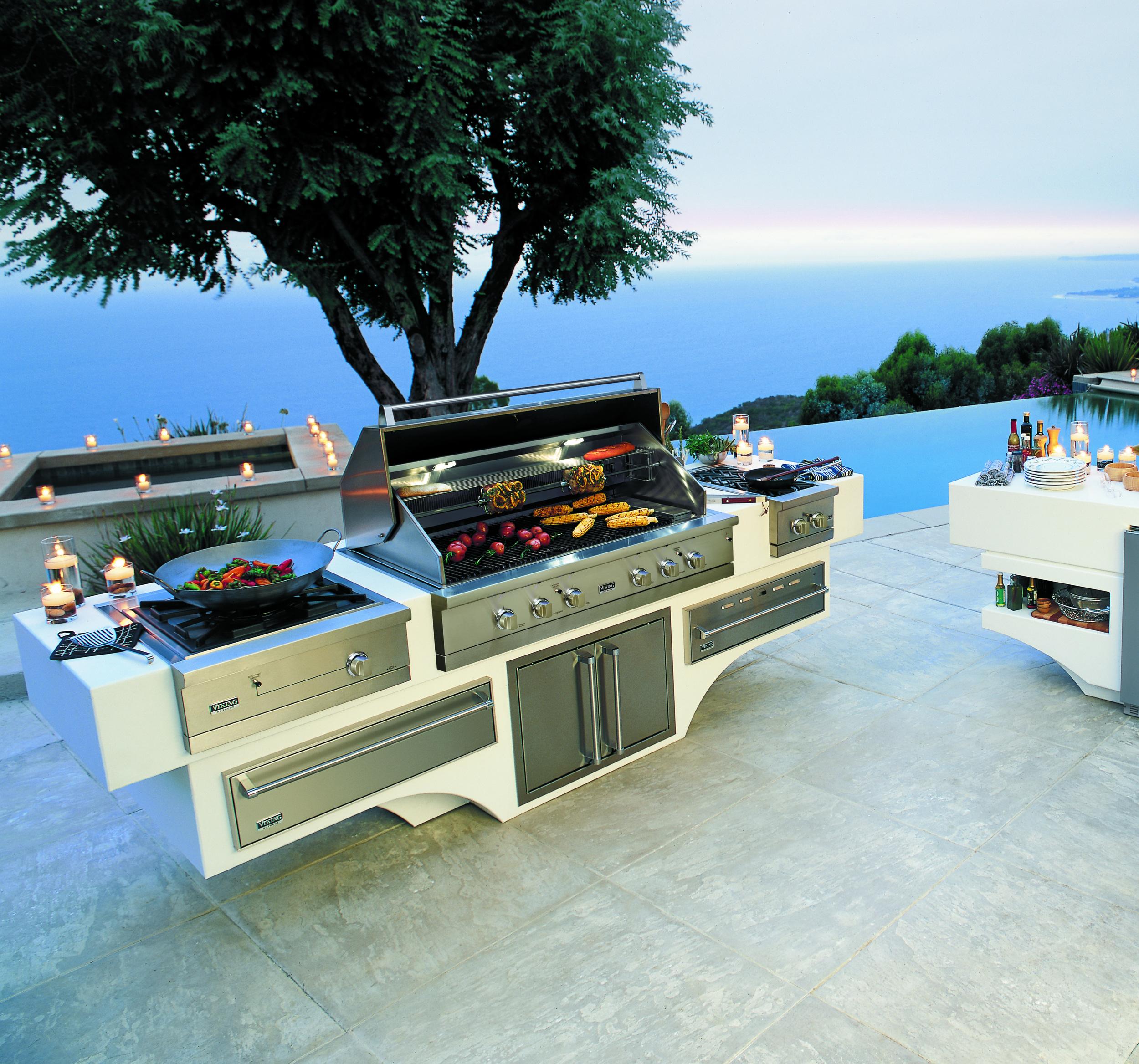 Viking offers modernist outdoor designs
