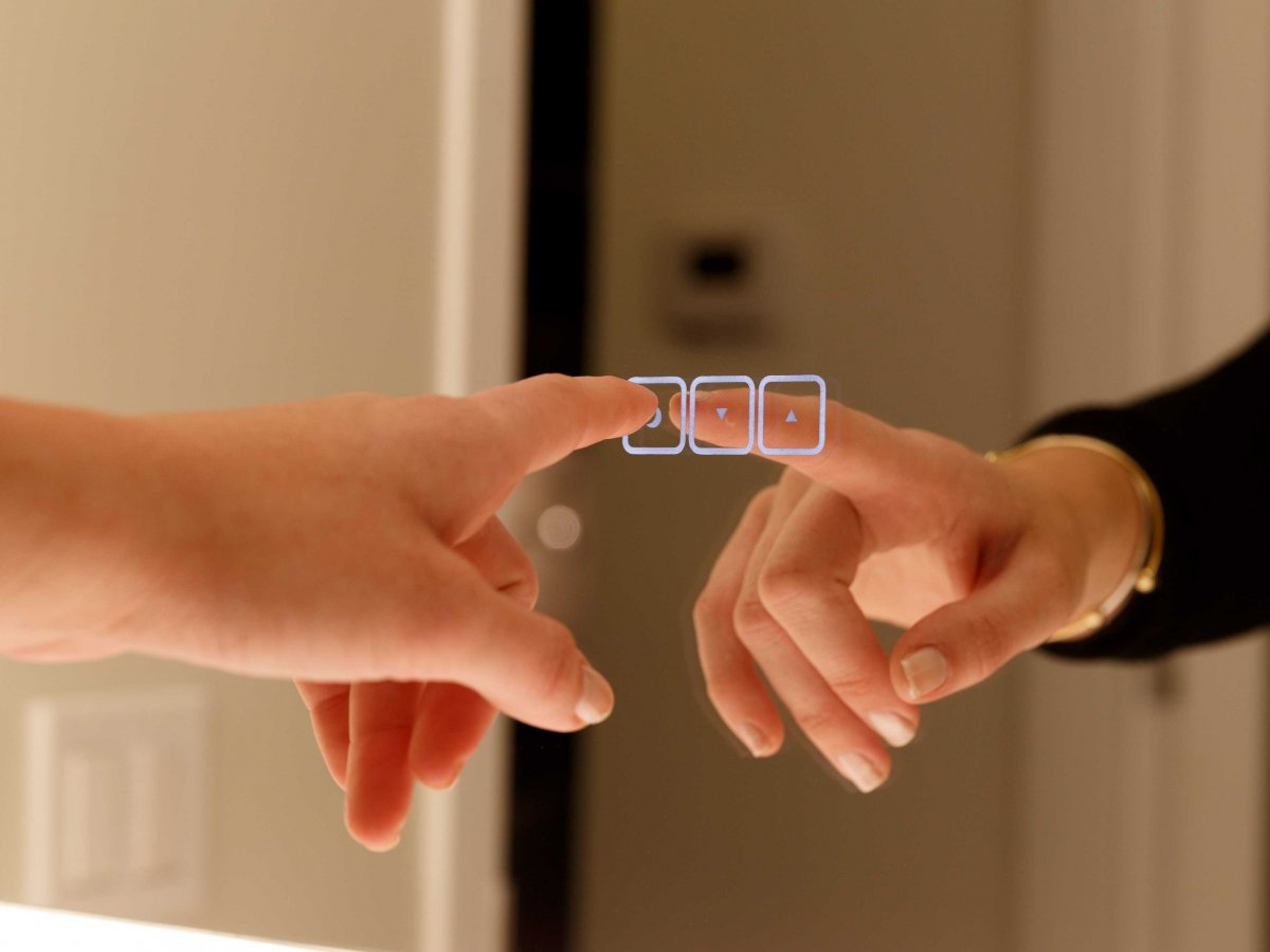 vive mirror touch.jpg