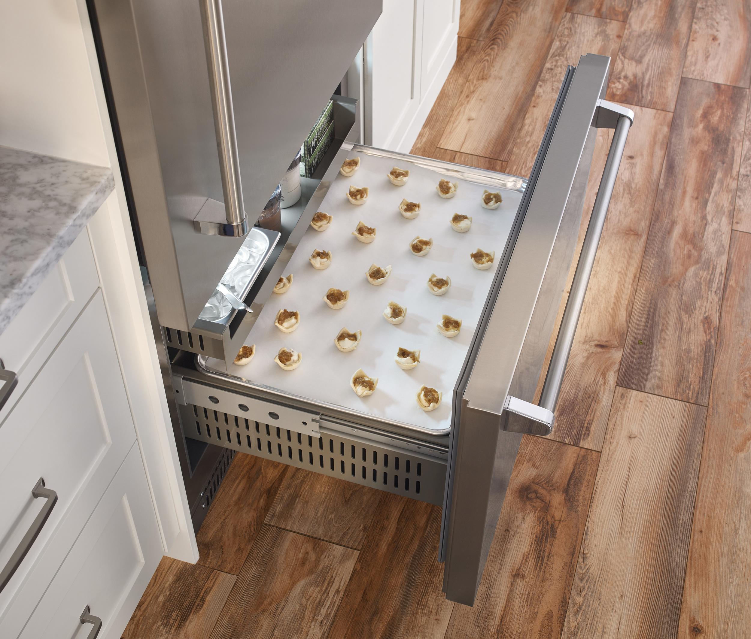 Freezer-Interior-Sheet-Pan_DET.jpg