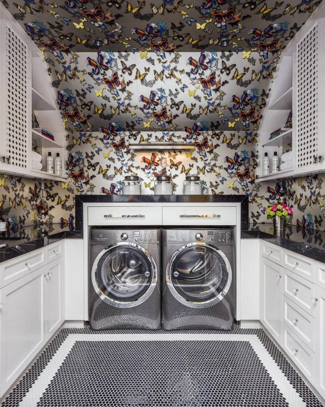 laundry room wallpaper.png