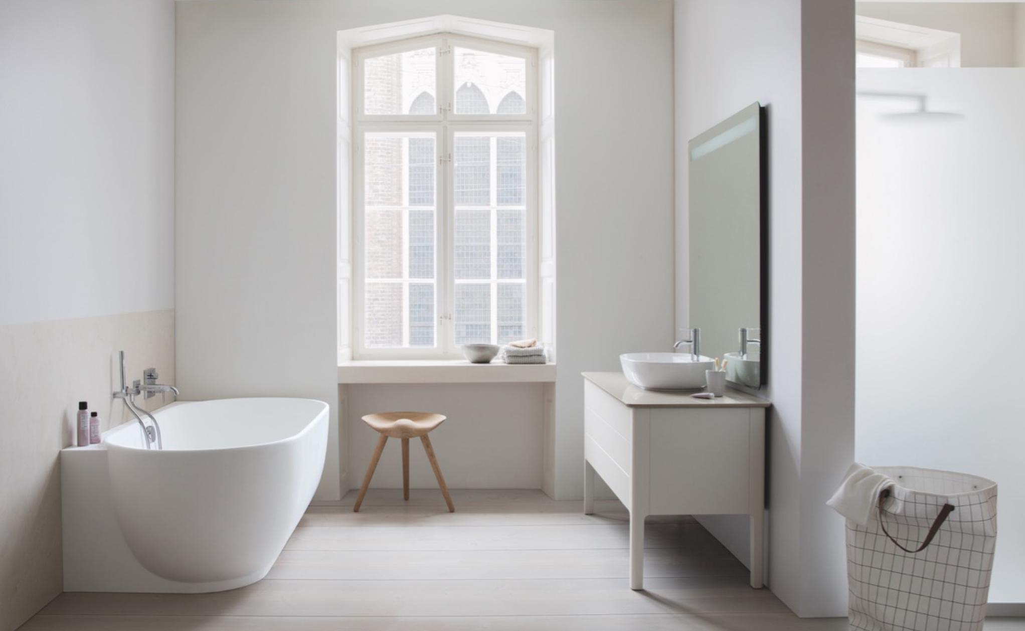 luv bathroom wall tub.png