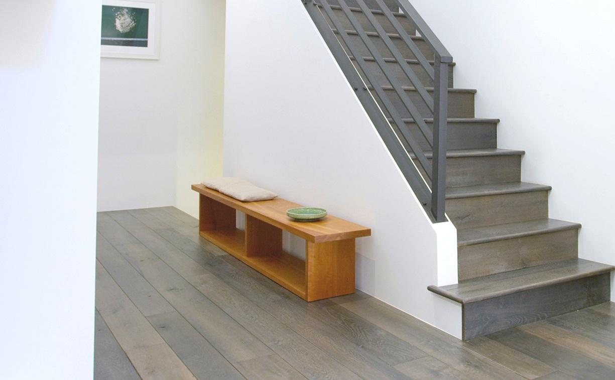 palm-bench-300.jpg