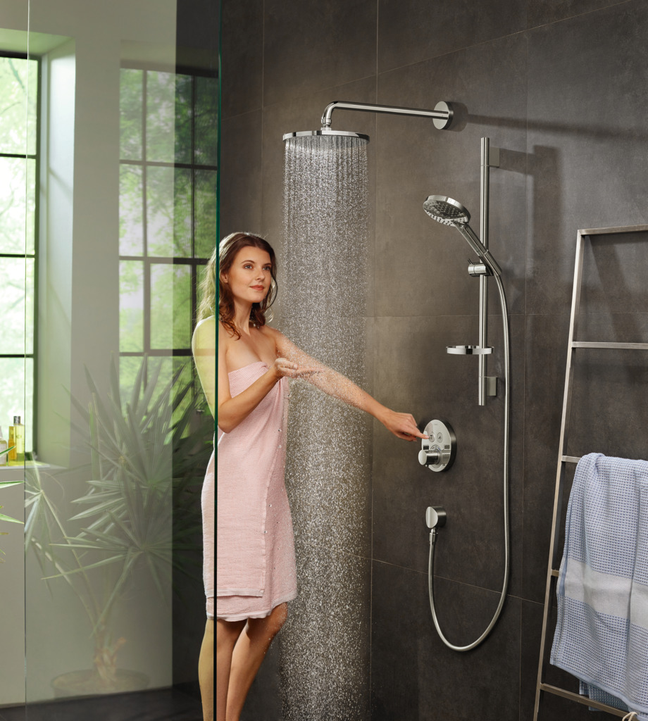 hansgrohe Raindance S AIR 1-Jet Showerhead with PowderRain_hansgrohe Raindance Select S 120 AIR 3-Jet Handshower with PowderRain 2.5 GPM.jpg