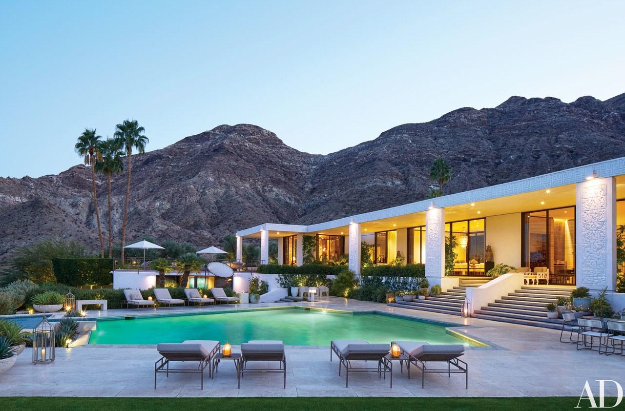 Palm Springs ext.jpg
