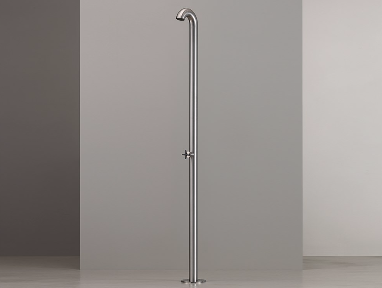 Cea Bold stainless 1.png