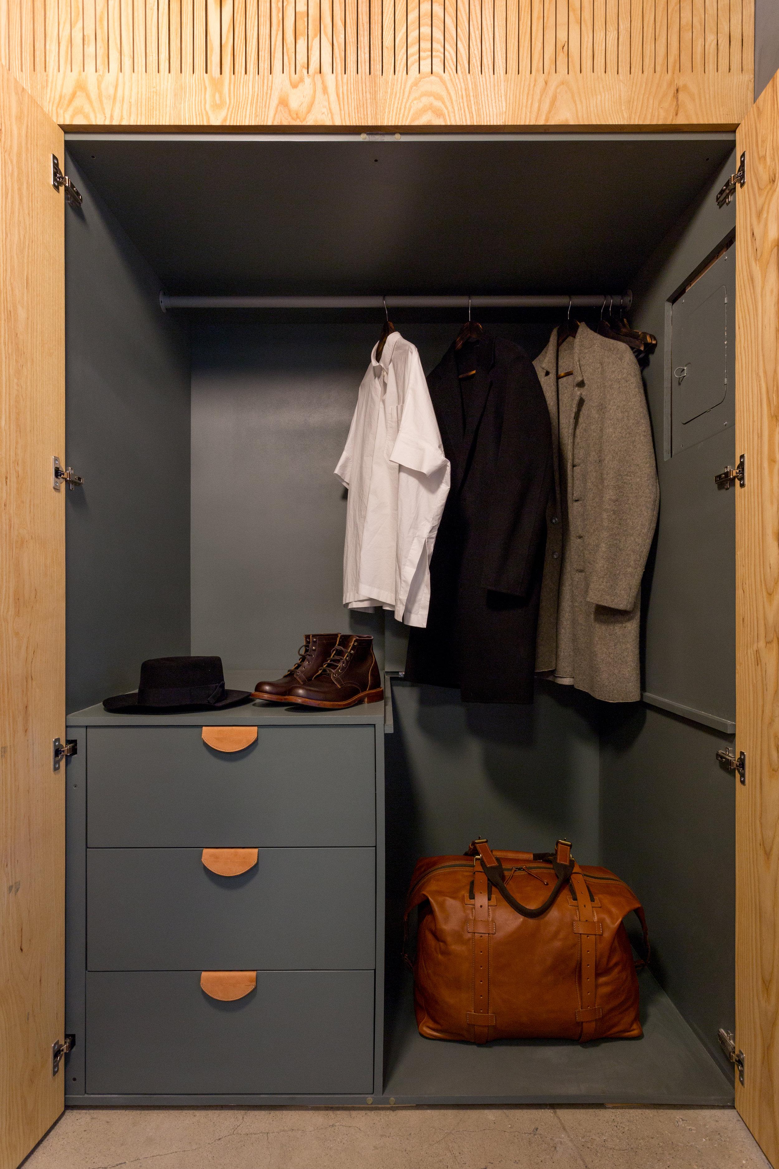 StephenKenn_Loft_Bedroom_Closet_2.jpg