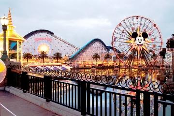 Theme park photographer