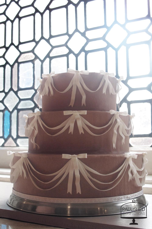 Sugar_Bows_Cake.jpg