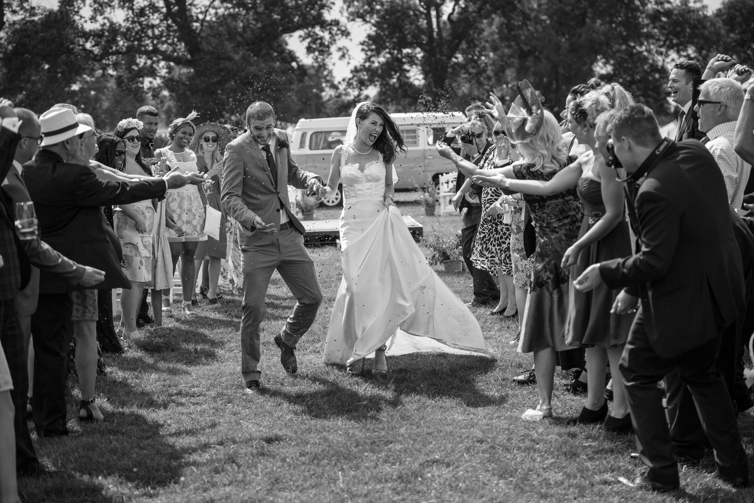Buckinghamshire Wedding Photography - Sarah & Brad