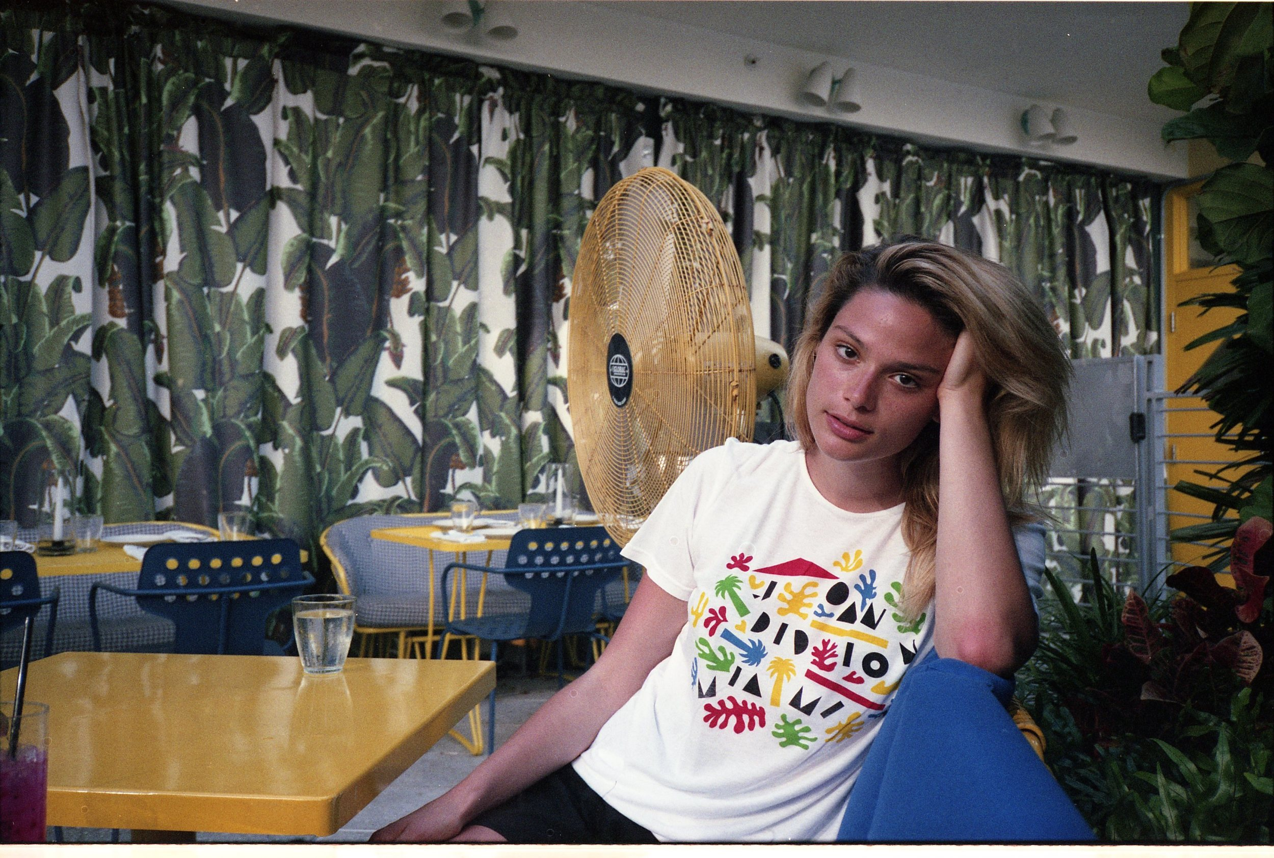 molly at the continental. primary colors algae tee
