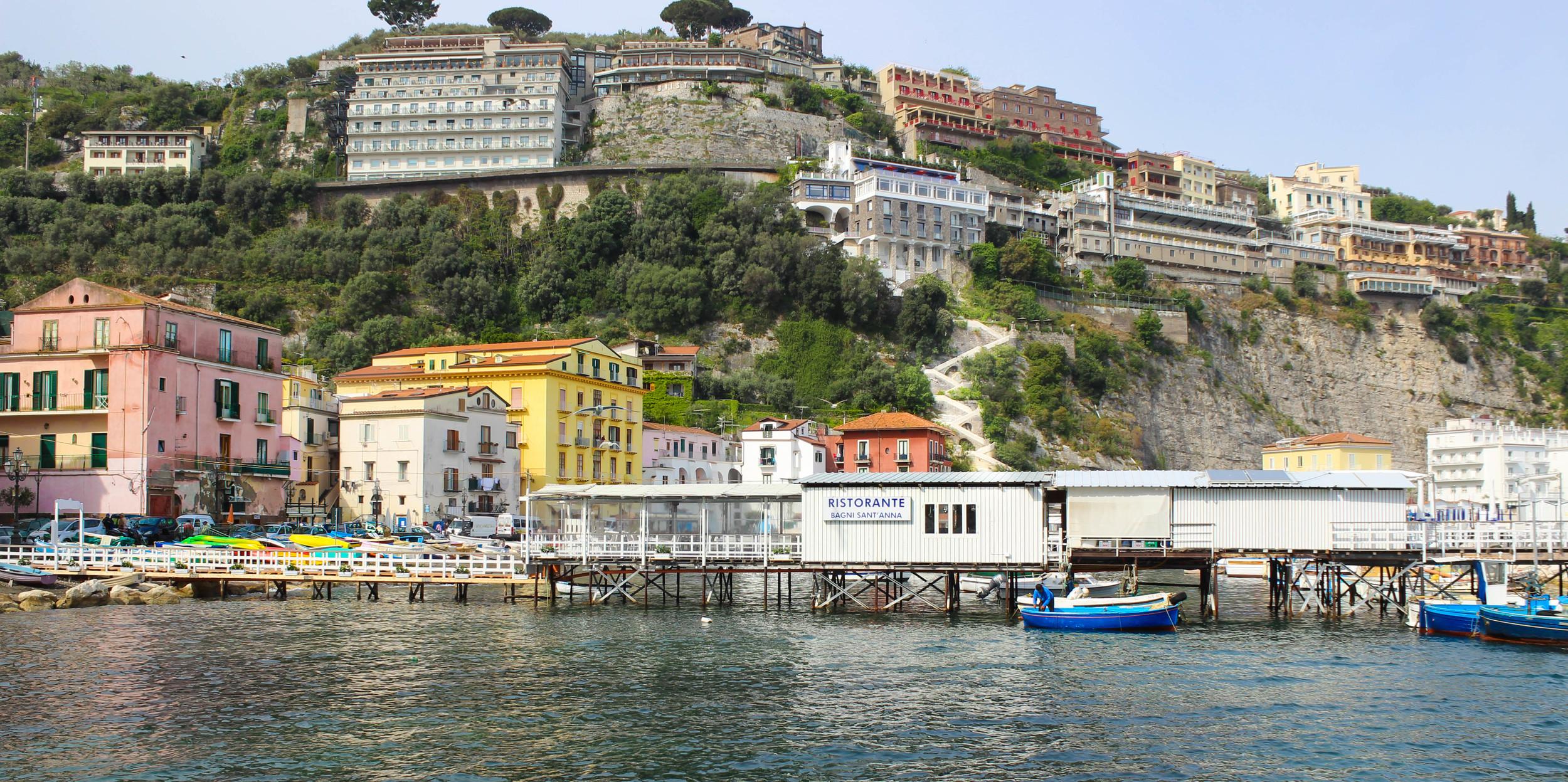 LUXURY YACHT EXPERIENCE IN CAPRI, ITALY