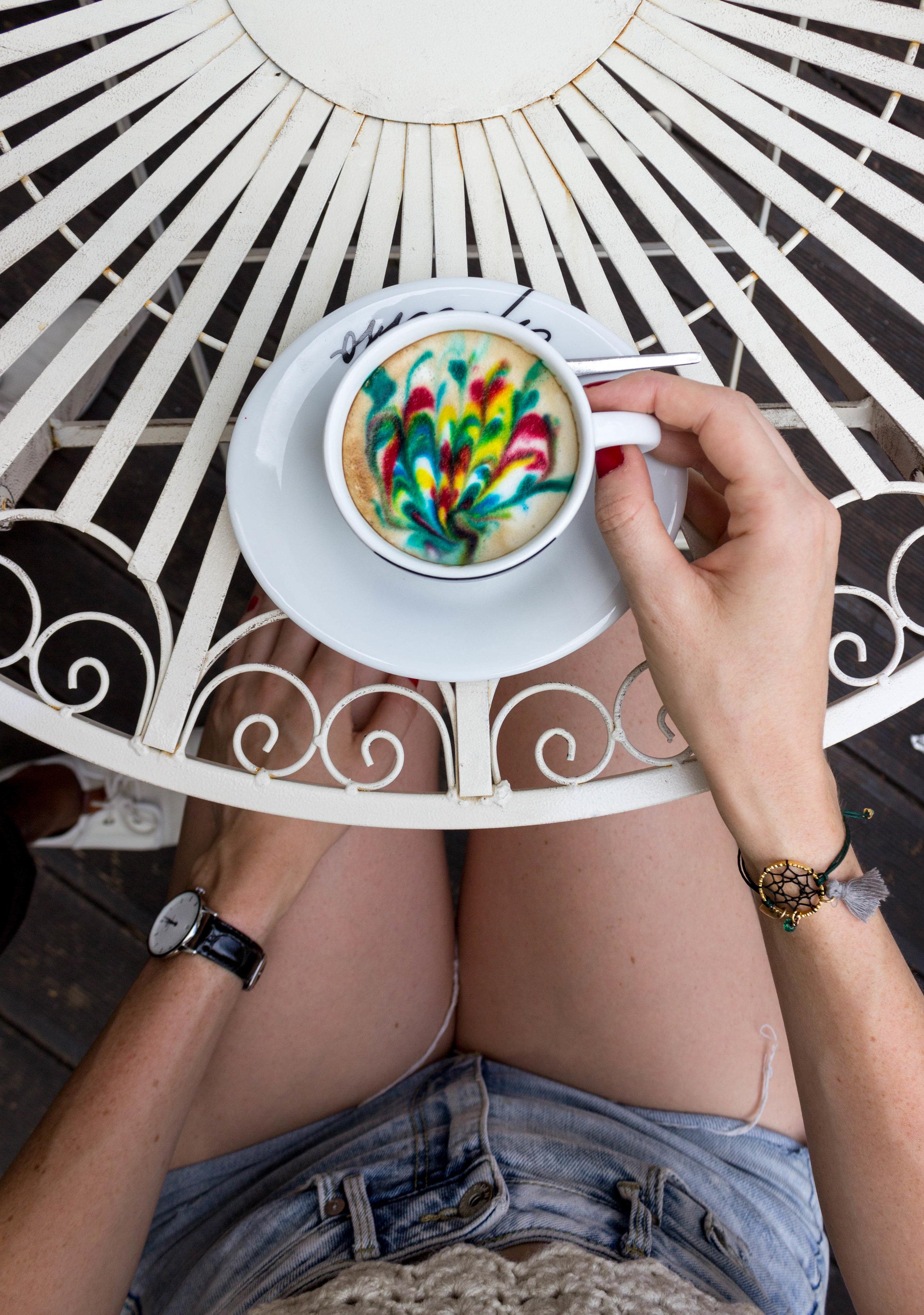 Rainbow coffee at Cafe Sjedi 5