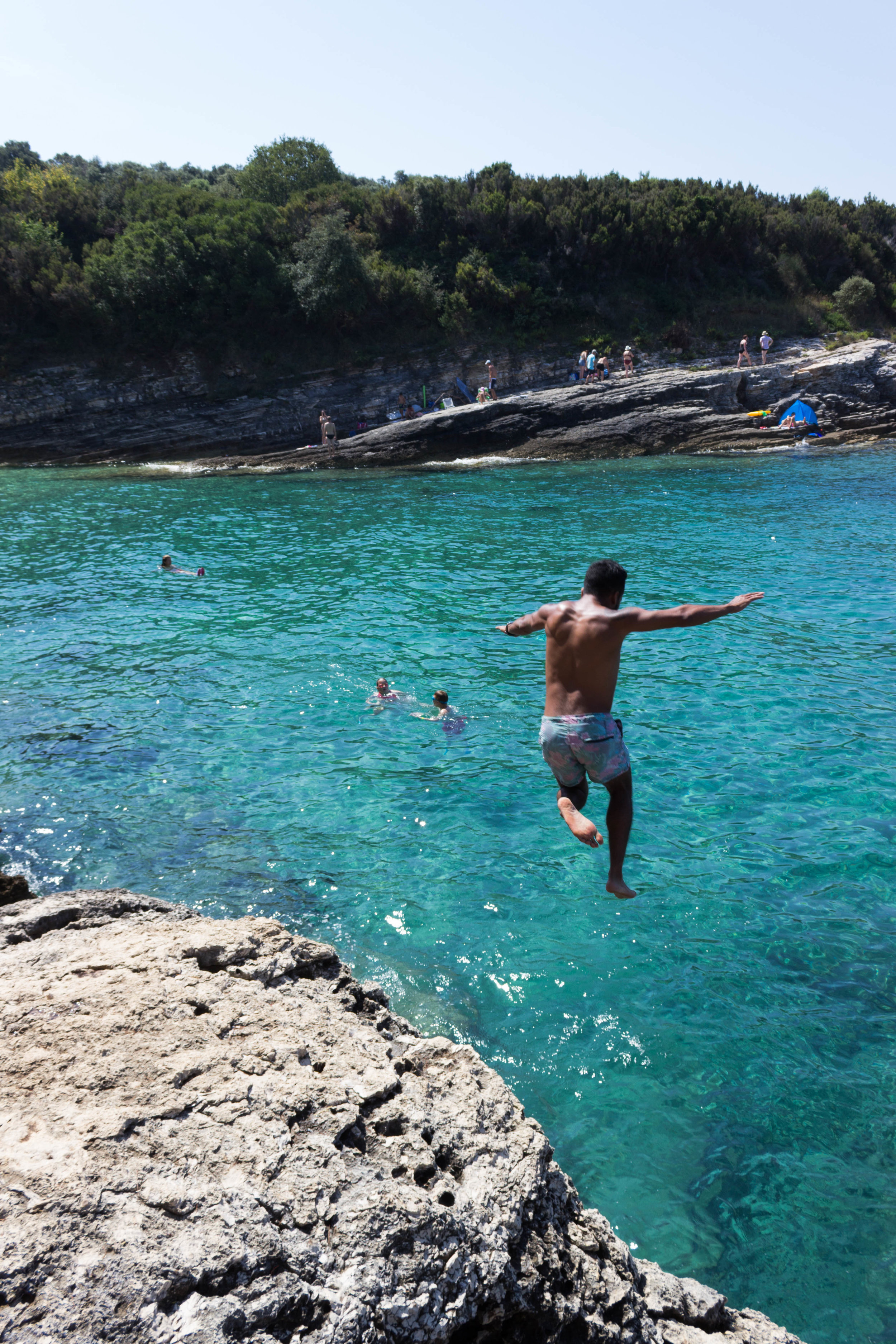 Luis cliff jumping in Pula