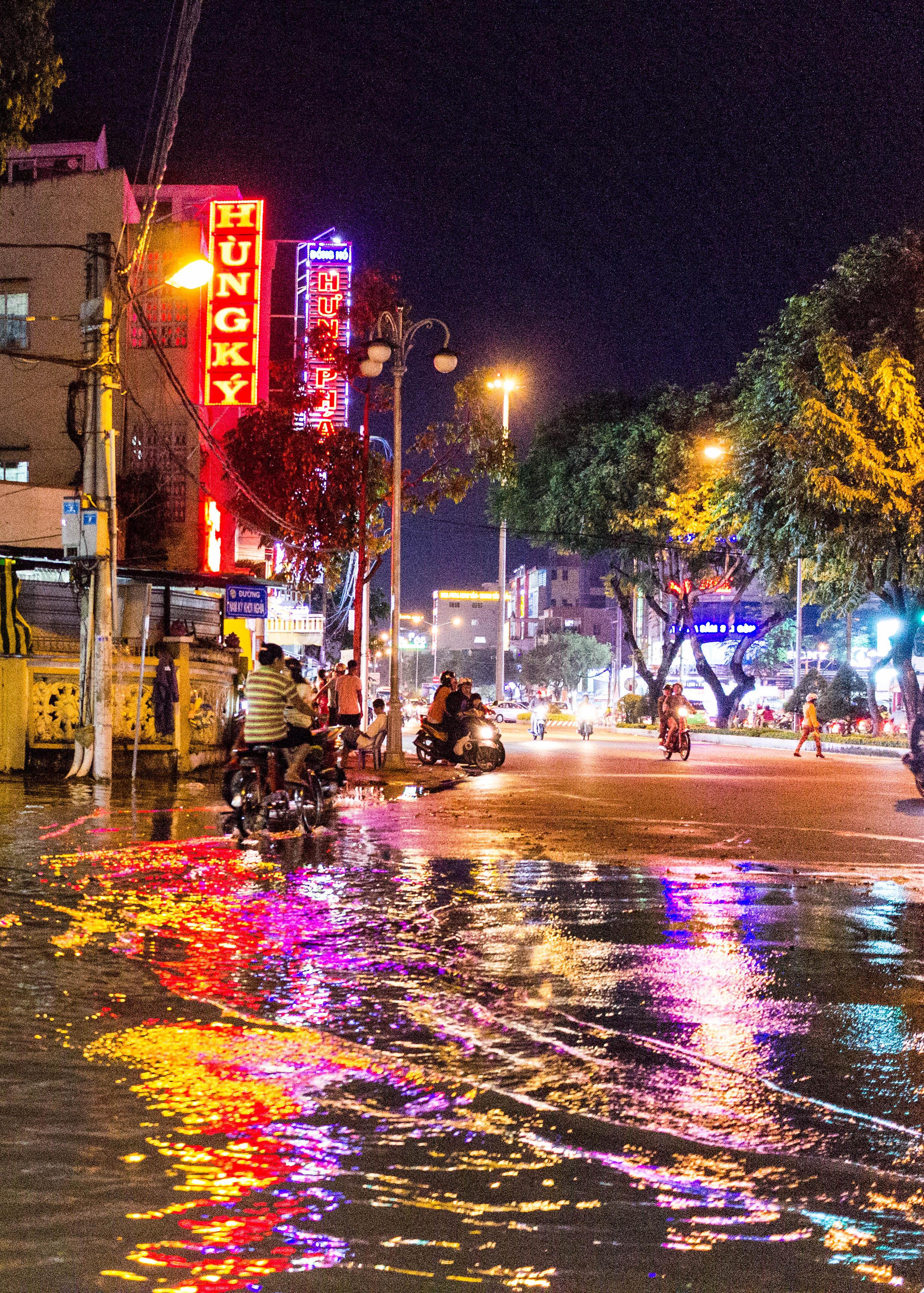 Flooded streets in Cần Thơ, Vietnam