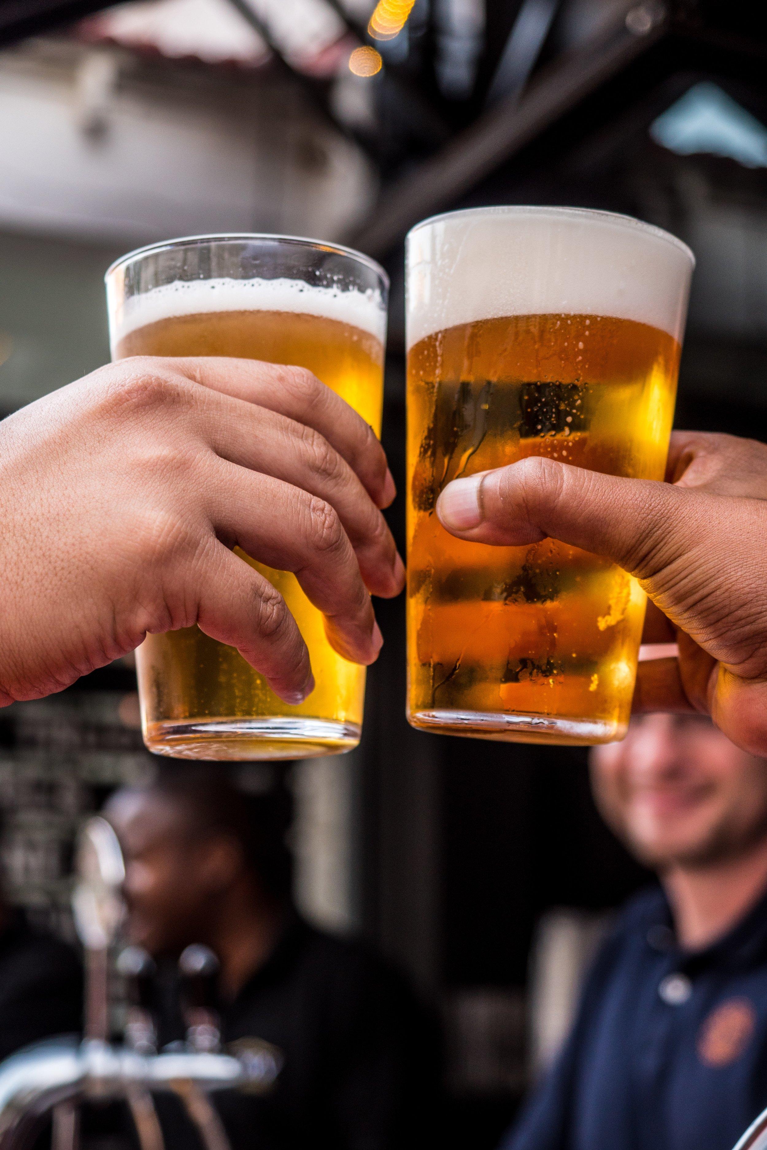 alcohol-alcoholic-beverage-bar-1089930.jpg