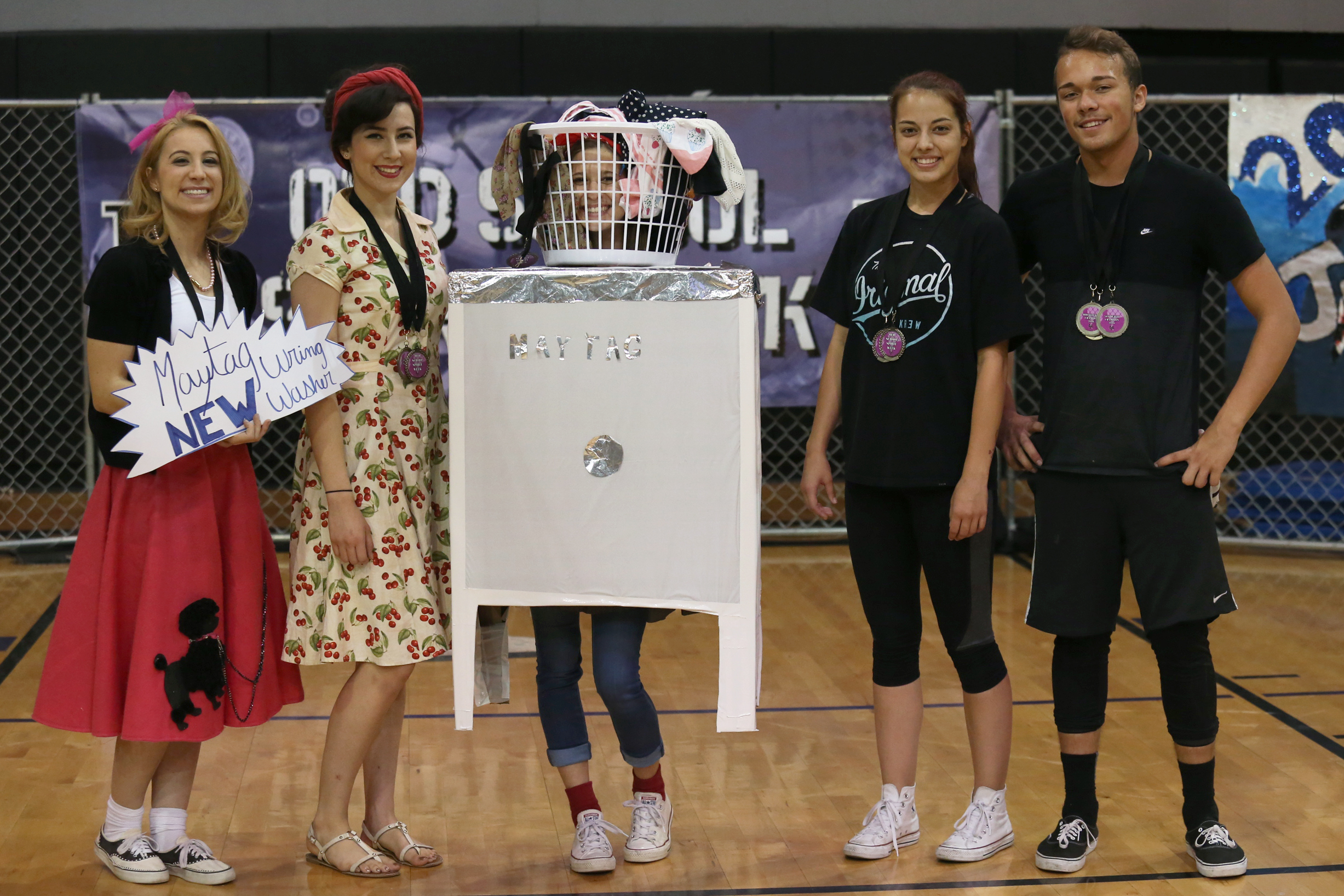 Seniors win 50's Outfit Contest