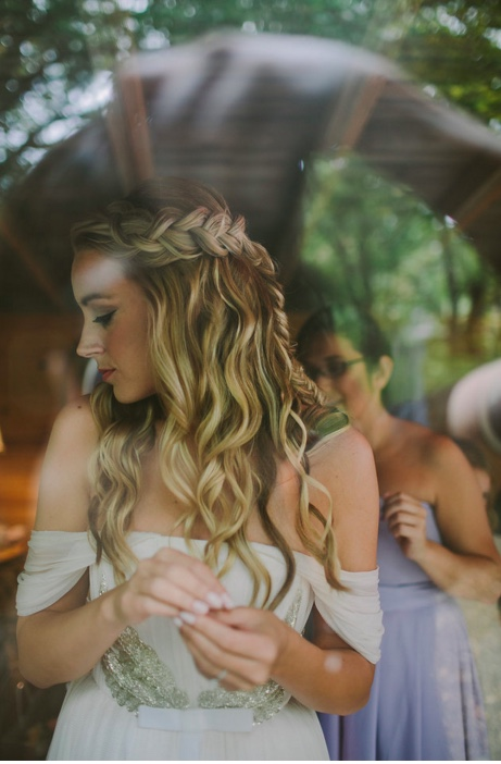 Halo veil braid style captured by  Jill Devries Photography