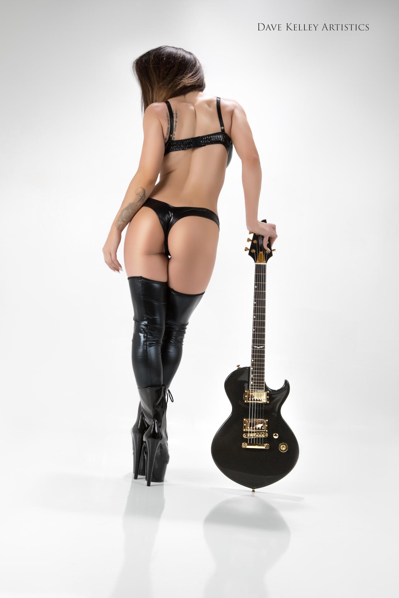 Guitar0417Kahla-Elle - IMGL7506-Edit.jpg