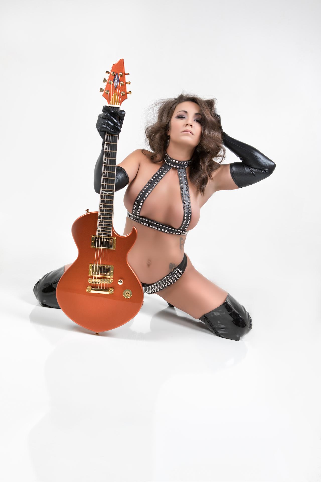 Guitar1017Courtney - IMGL9041-Edit.jpg
