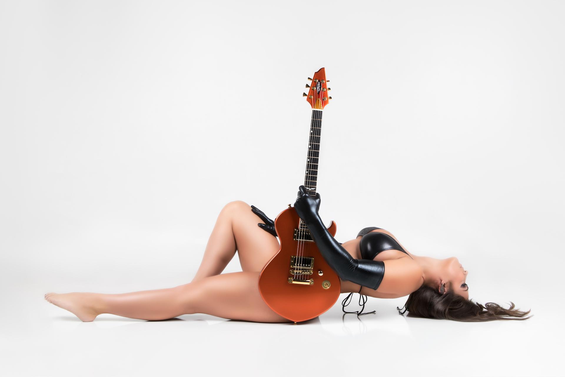 Guitar1017Courtney - IMGL9284-Edit.jpg