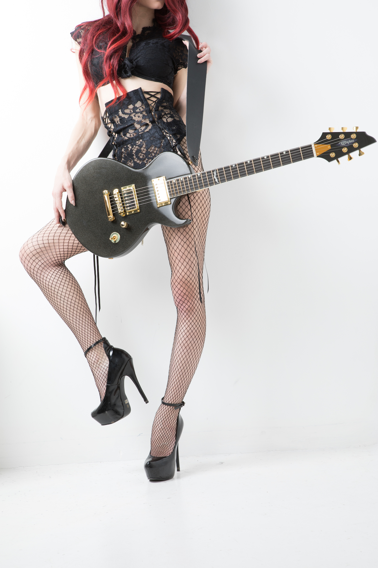 Guitar0217templar-lisa-tayler - IMGL0981.jpg