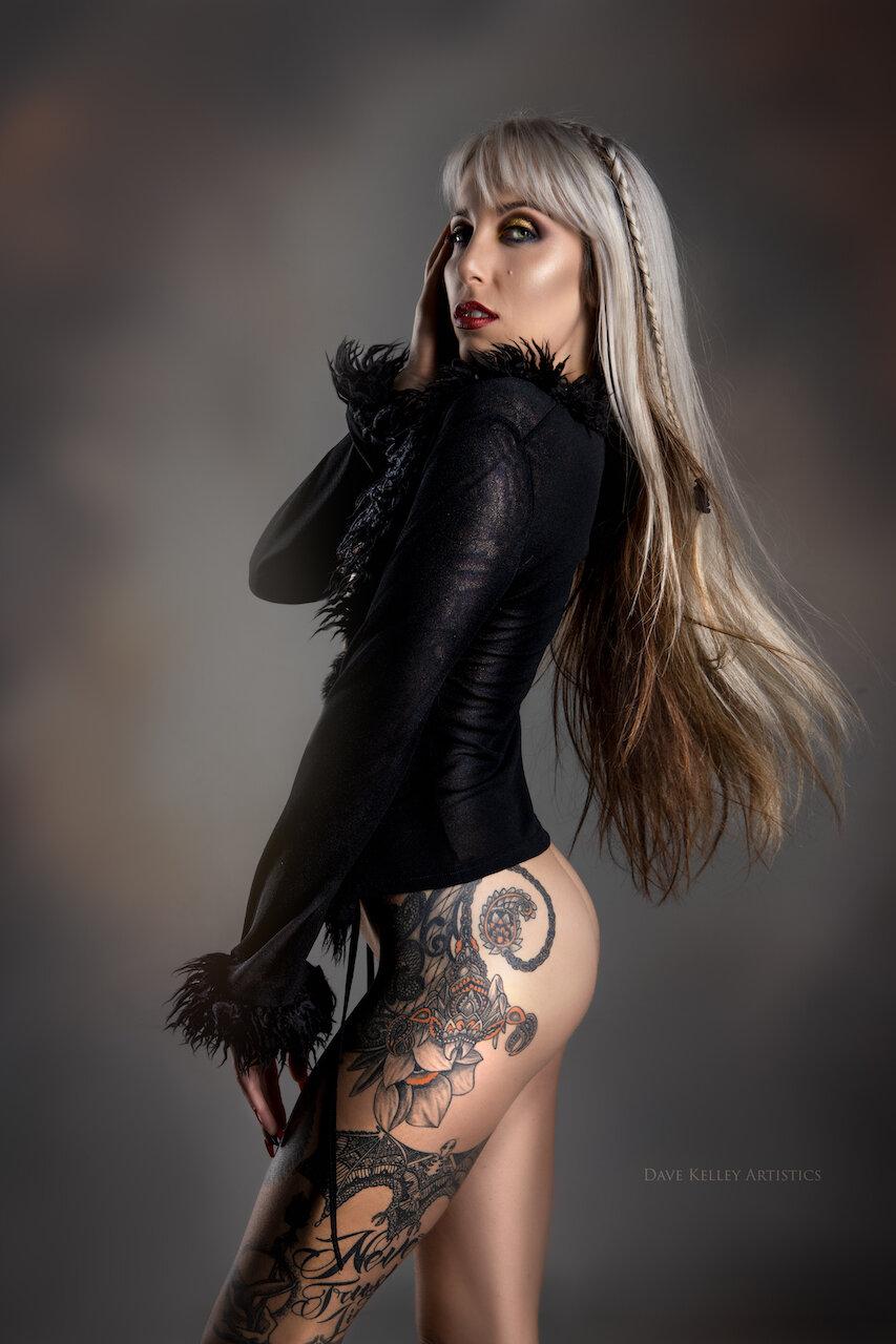 ElizabethKowalski1019AmberYepex-studio - DKAL5649-Edit-Edit.jpg