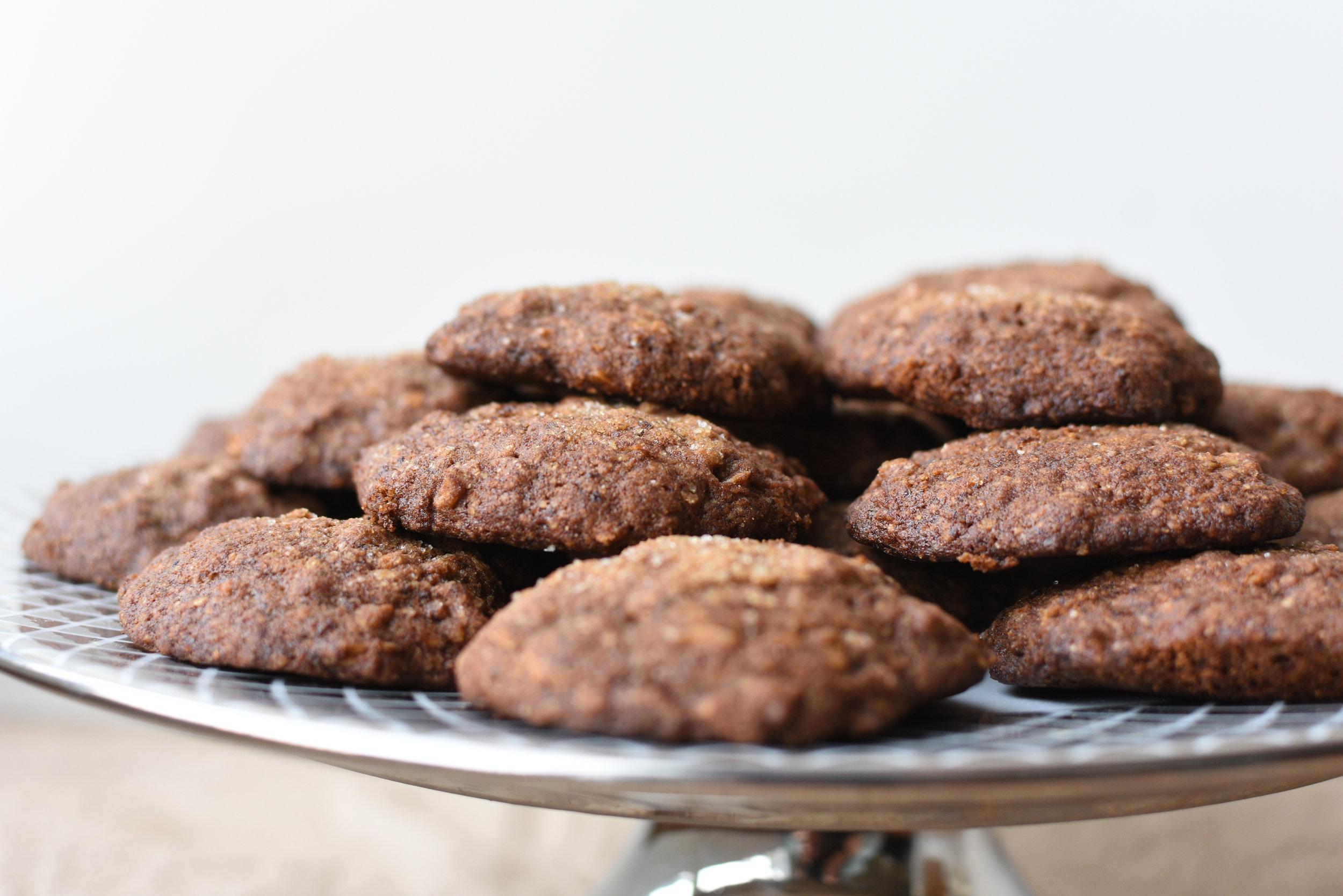 Oatmeal Gingersnap Cookies.JPG