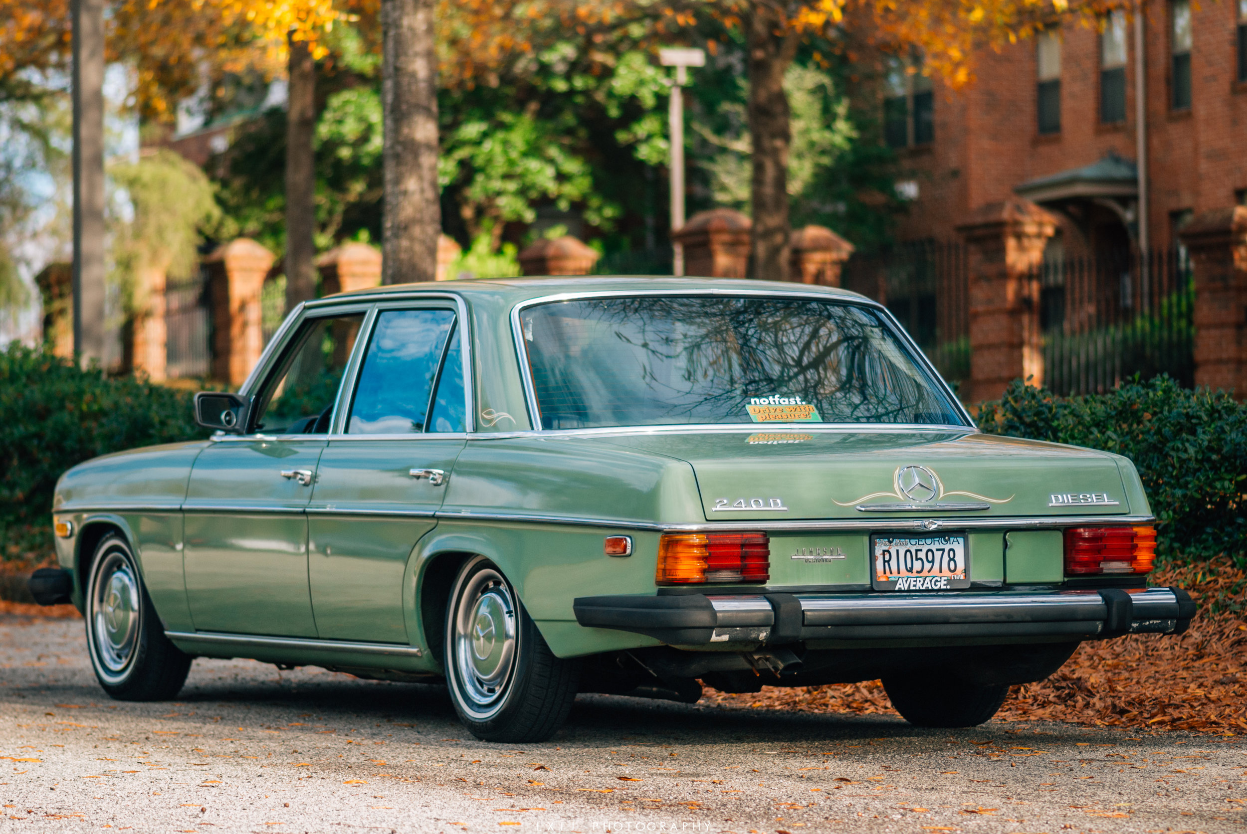 Lee's Mercedes-Benz 240D