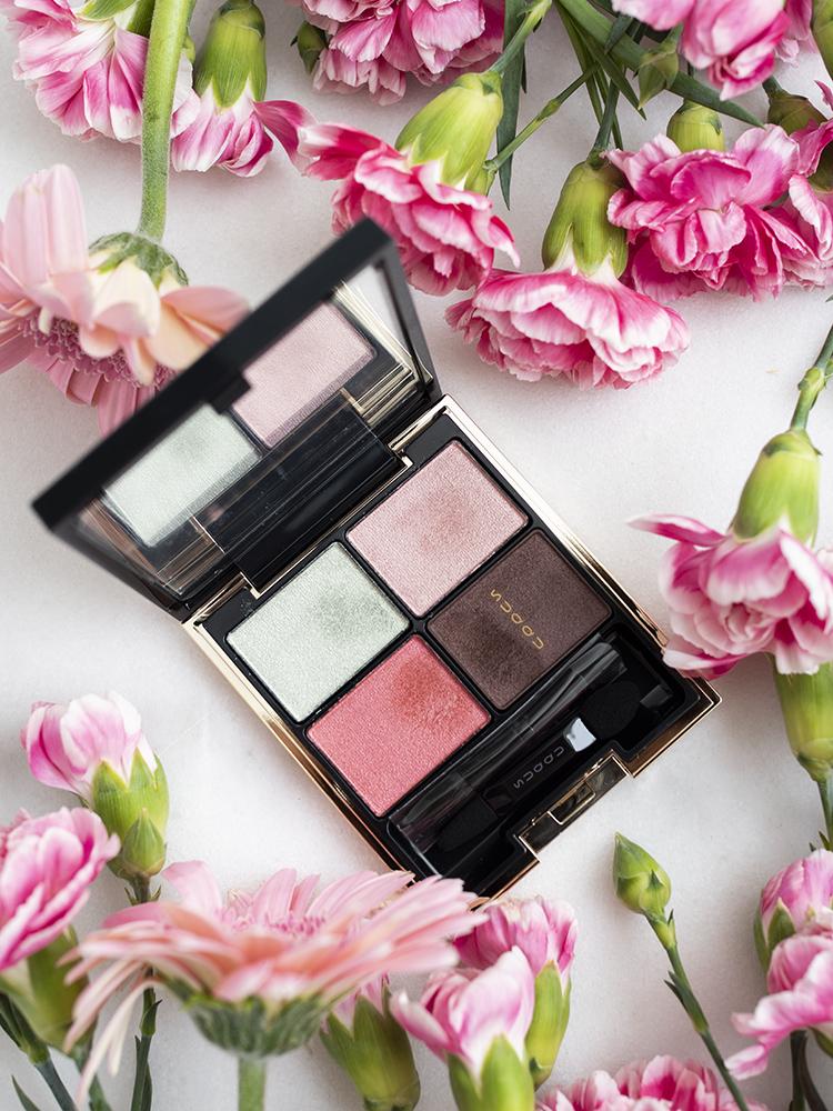 SUQQU Designing Color Eyes 12 Genkouakane   Laura Loukola Beauty Blog