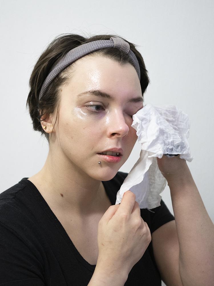 Senja Cosmetics Sleek Cheek Cleansing Oil Review | Laura Loukola Beauty Blog