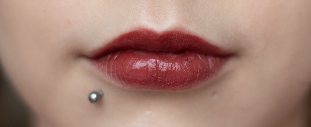 ORIGINS Blooming Bold Lipsticks Review and Swatches | Laura Loukola Beauty Blog @laurantaina