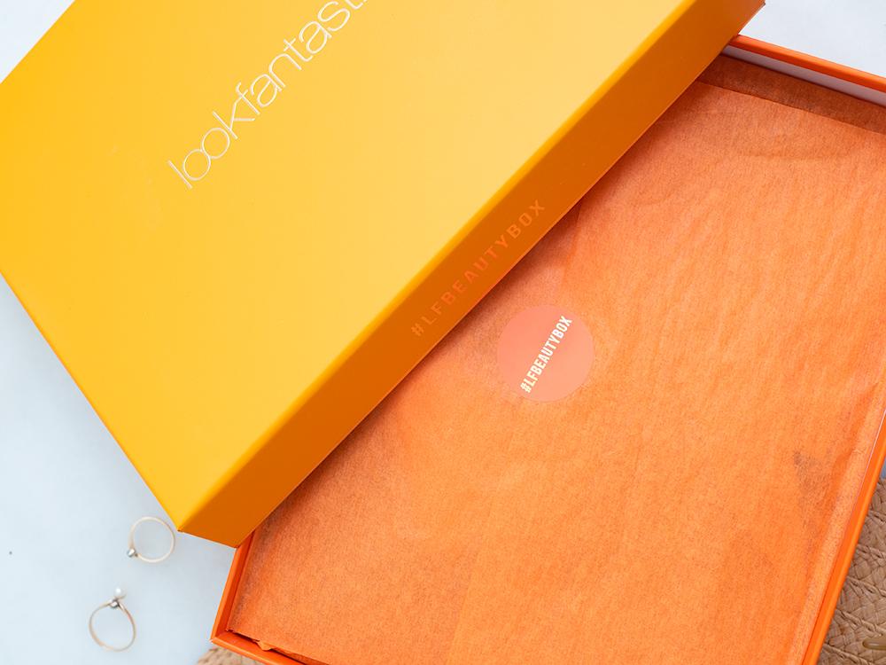 August LookFantastic 'Heatwave' Beauty Box Review | Laura Loukola Beauty Blog