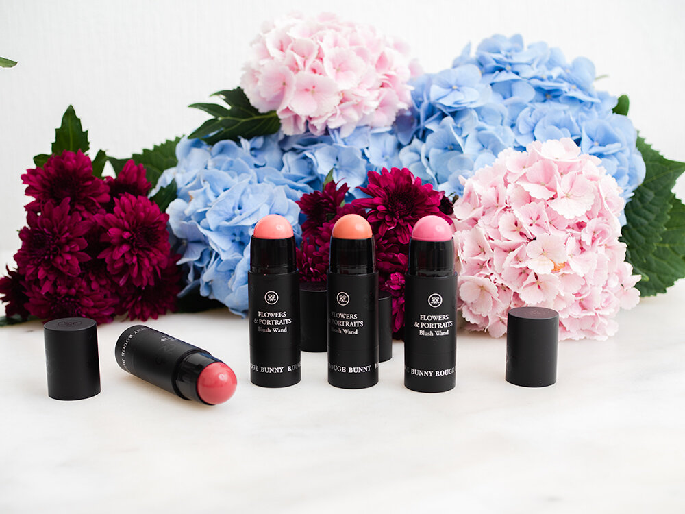 Rouge Bunny Rouge Blush Wand FLOWERS & PORTRAITS review | Laura Loukola Beauty Blog