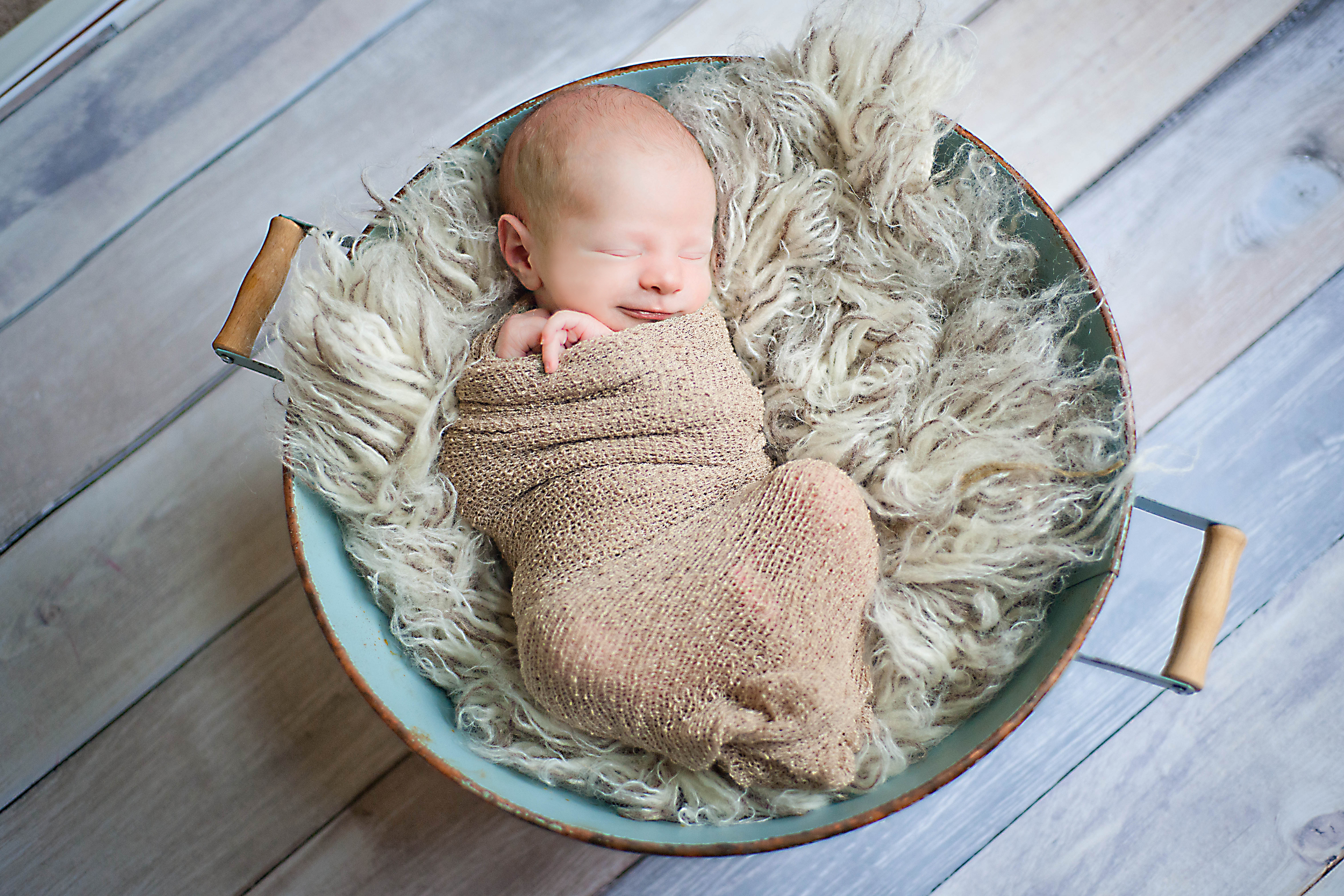 Iceland Newborn Photographer Photos by Miss Ann -1.jpg