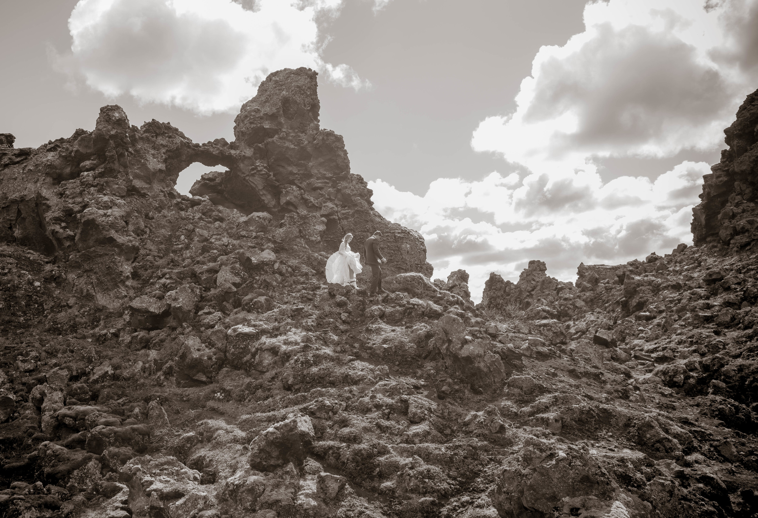 Iceland Wedding Photos-16.jpg